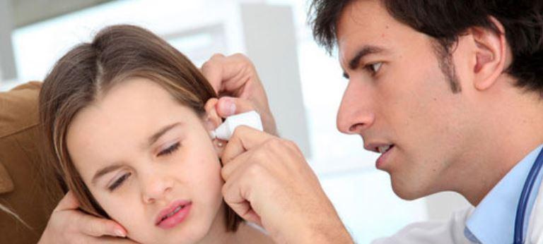 cara membersihkan telinga 1