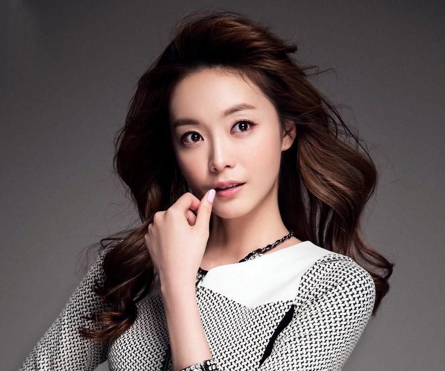 jeon-somin-femaleonklik